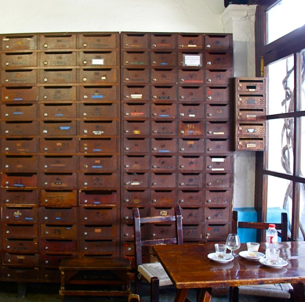 Le cassette della posta dentro al Bar Anita