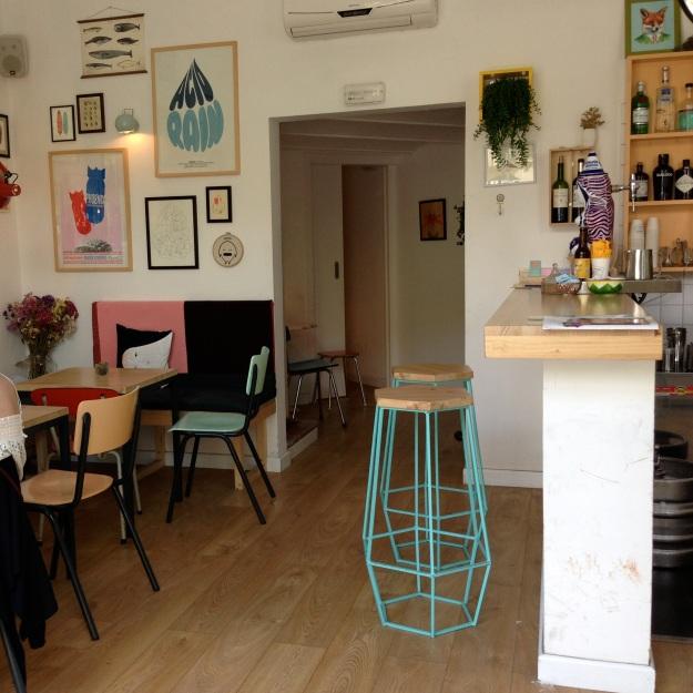 gli interni del piccolo ma delizioso Cometa Café